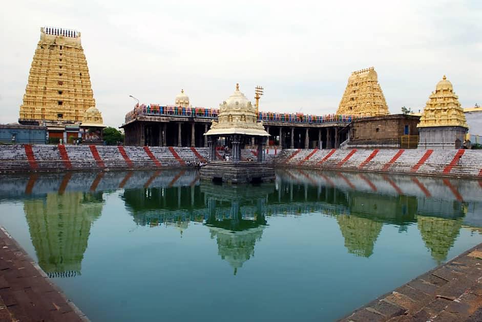 Ekambareswarar Temple in Kanchipuram, Tamil Nadu has the Prithivi Lingam. It represents Earth.