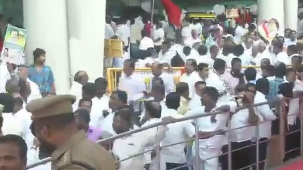 A Raja, Kanimozhi, acquitted in 2G scam, get rousing welcome in Chennai