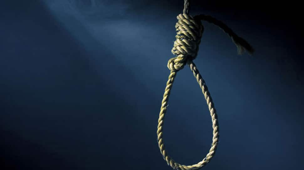 Troubled over hair fall, 27-year-old techie hangs himself to death