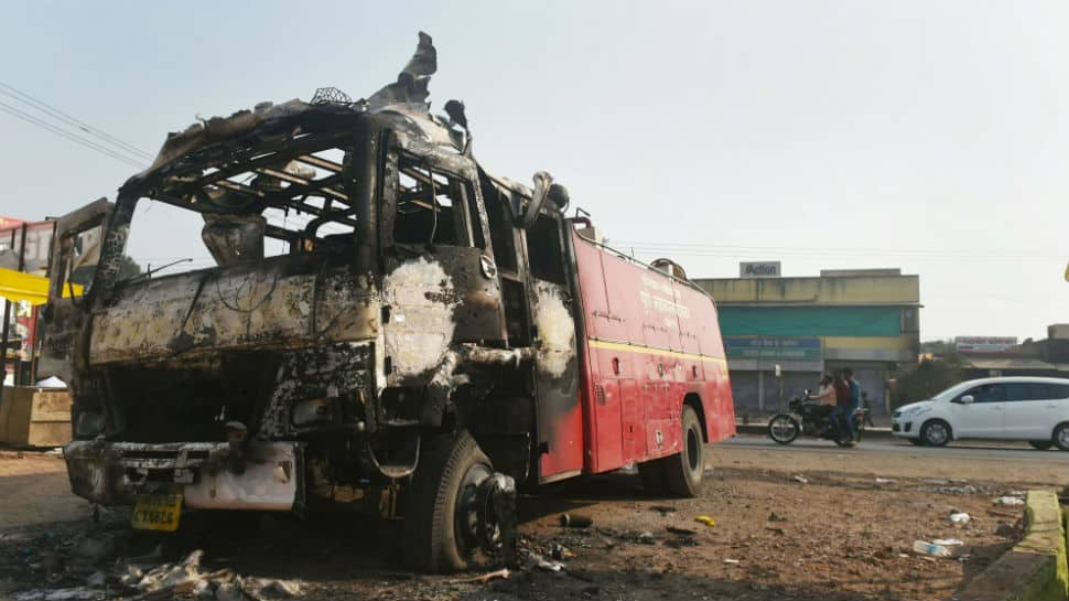 Pune: Buses stoned by Dalit protesters, schools and shops remain shut
