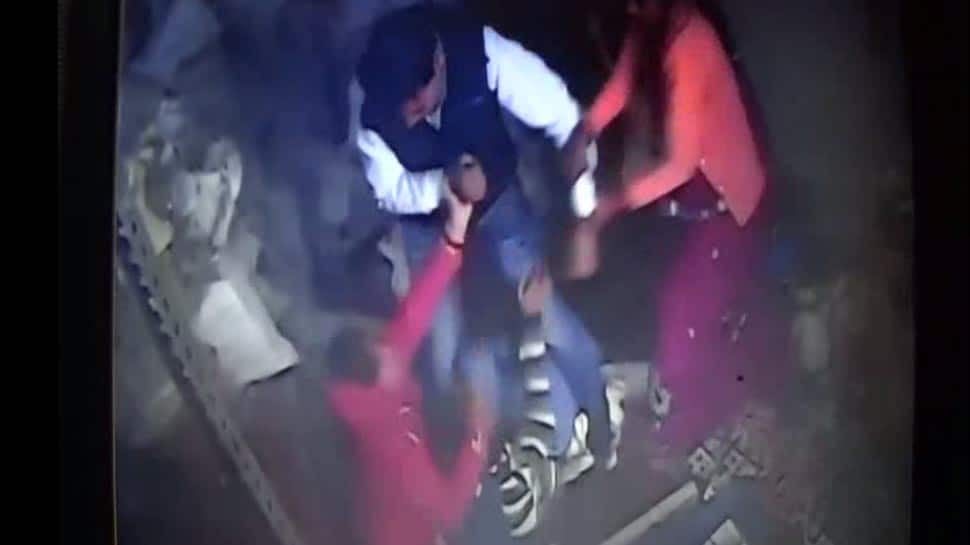 Madhya Pradesh: Factory owner mercilessly beats up girl after she alleges harassment