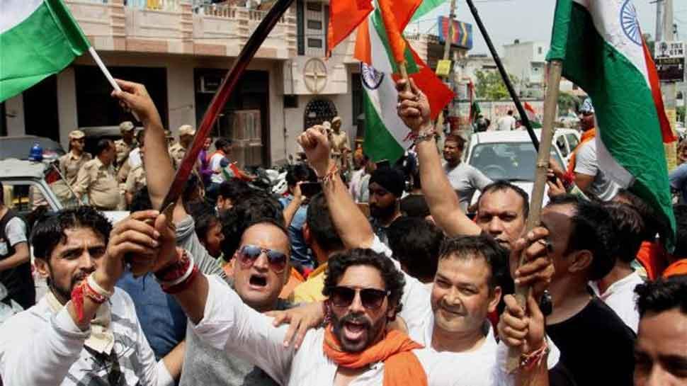 In Uttar Pradesh, Bajrang Dal activists force Muslim leaders to stand for Vande Mataram