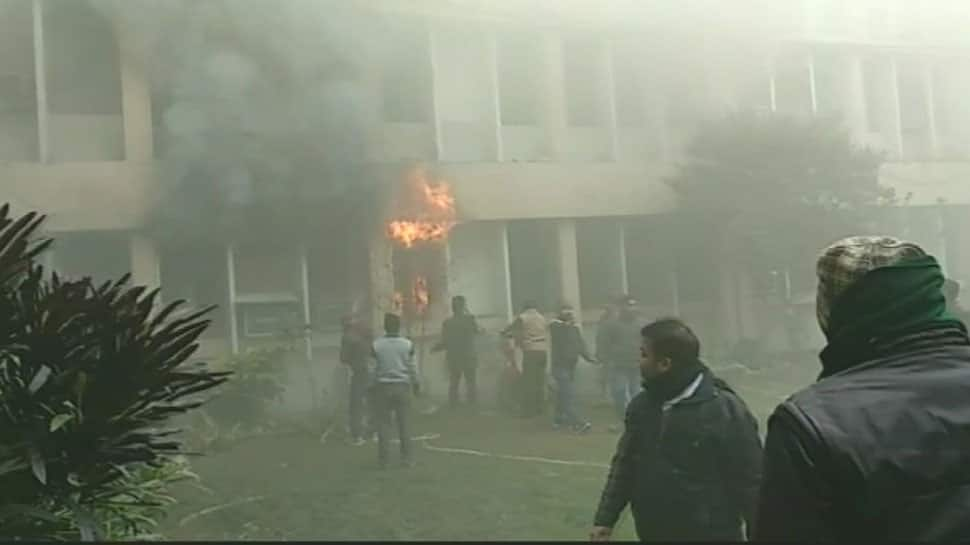 Fire breaks out at Baba Raghav Das Medical College in Gorakhpur, fire tenders rushed to the spot