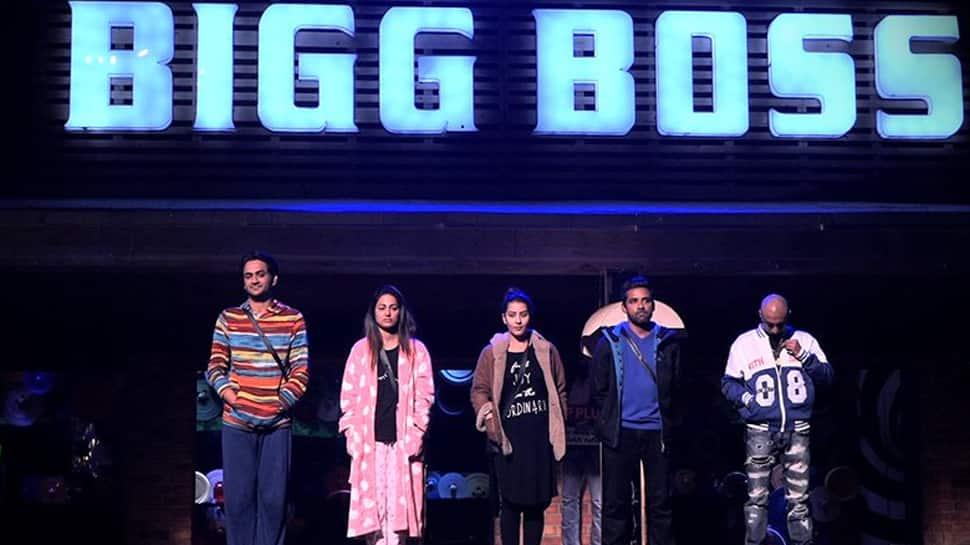 Bigg Boss 11, Day 101 written updates: Akash Dadlani gets eliminated