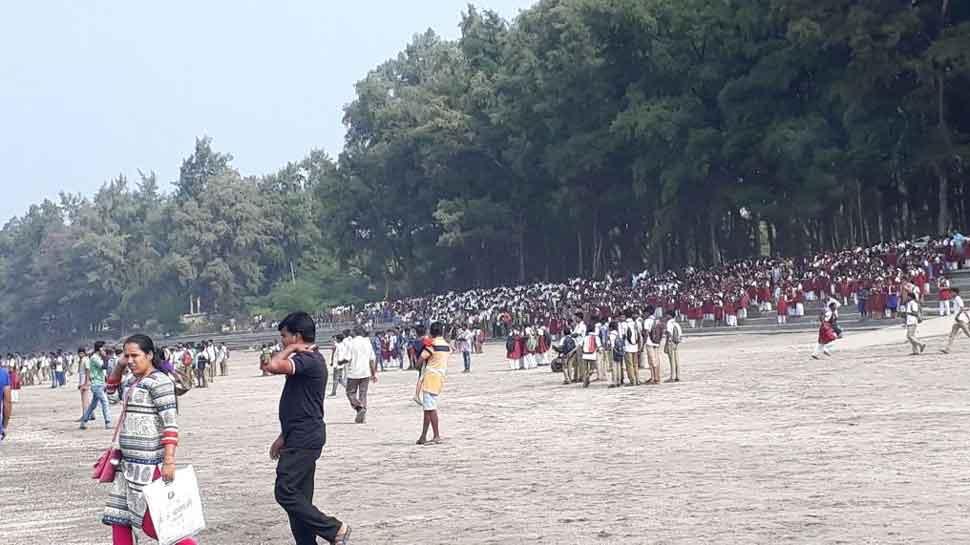 Boat with 40 school students capsizes near Maharashtra's Dahanu, 4 dead