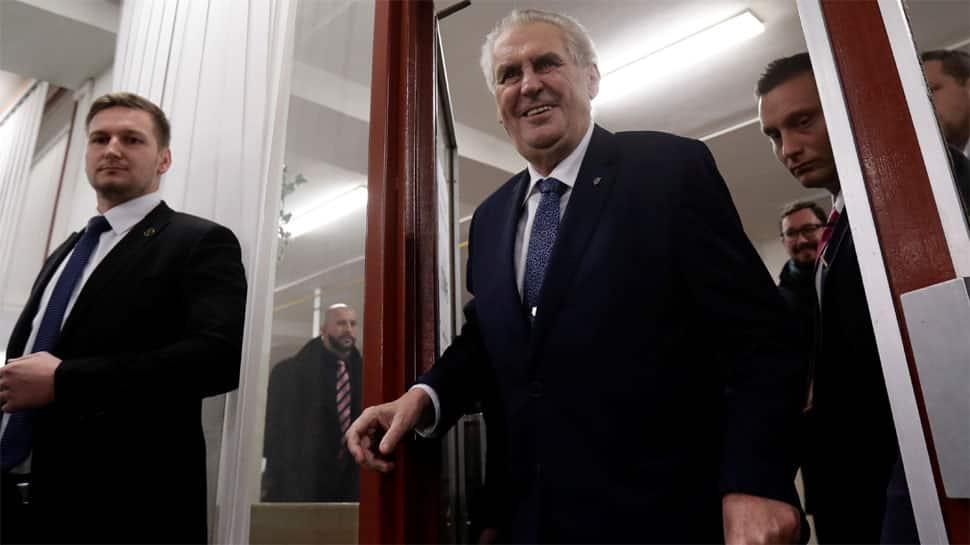 Czech presidential vote sets up Zeman-Drahos second round clash