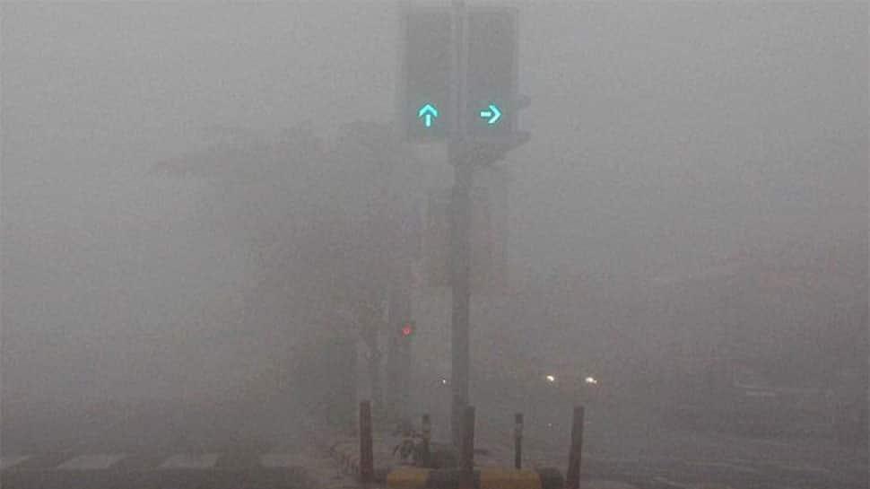 Dense fog grips Patna, min temp dips to 8 degrees