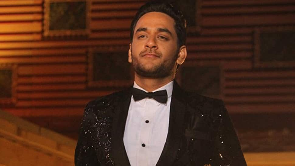 Vikas Gupta to give away his Bigg Boss 11 cash prize to these two contestants—Read inside