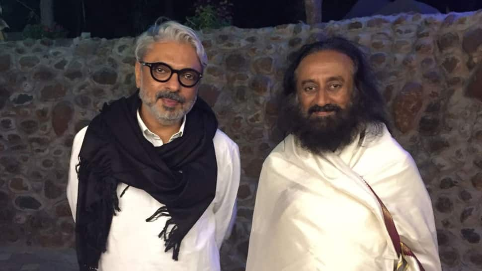 Padmaavat: Sri Sri Ravishankar finds nothing objectionable in Sanjay Leela Bhansali  directorial—See pics
