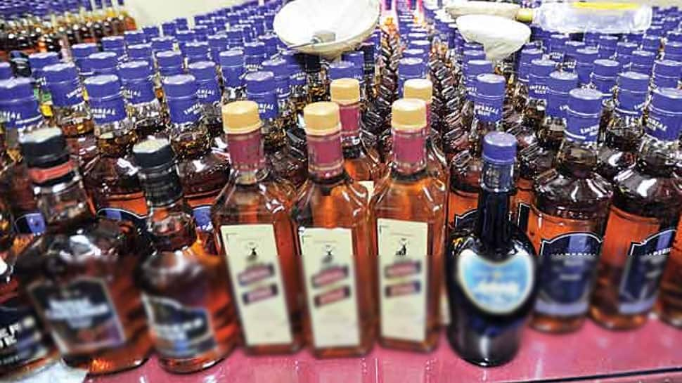 Two arrested for buying liquor from Faridabad, selling in Delhi NCR