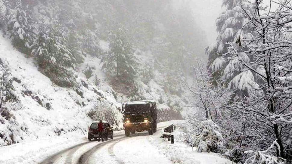 Kashmir reels under 'Chillai Kalan', Kargil at minus 20