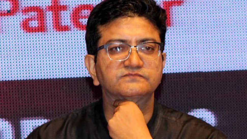 Censor Board Chairperson Prasoon Joshi bows to Karni Sena, to skip  Zee JLF 2018