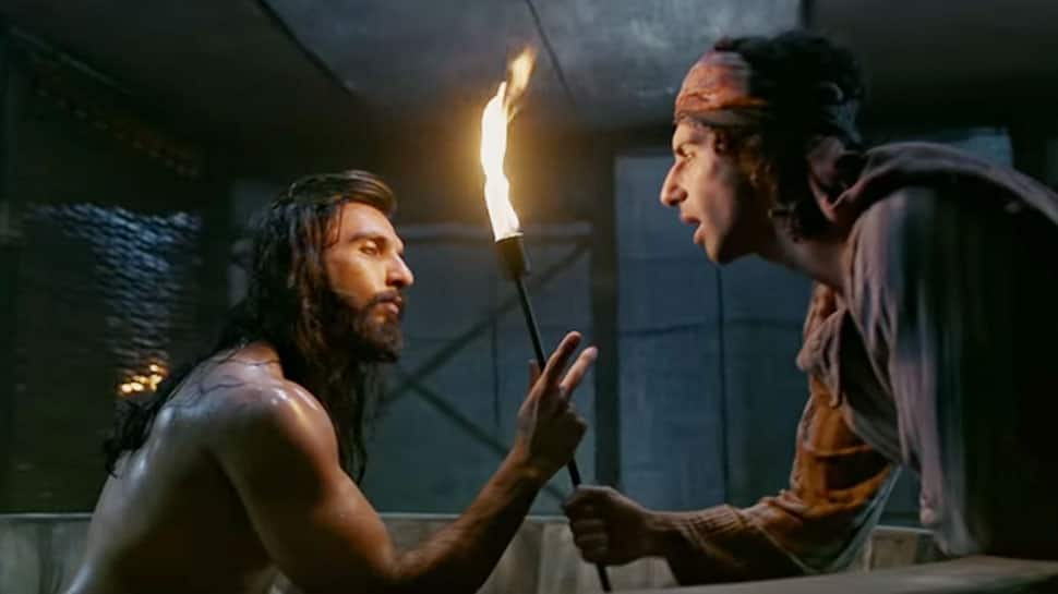 Padmaavat: Ranveer Singh and Jim Sarbh will cast a spell on you with Binte Dil – Watch