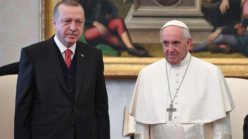 Pope offers peace token in meeting with Turkish President Erdogan