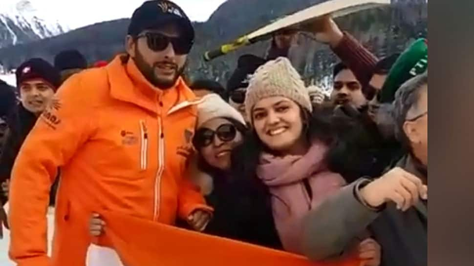 Watch: Shahid Afridi's respect for Indian flag wins hearts
