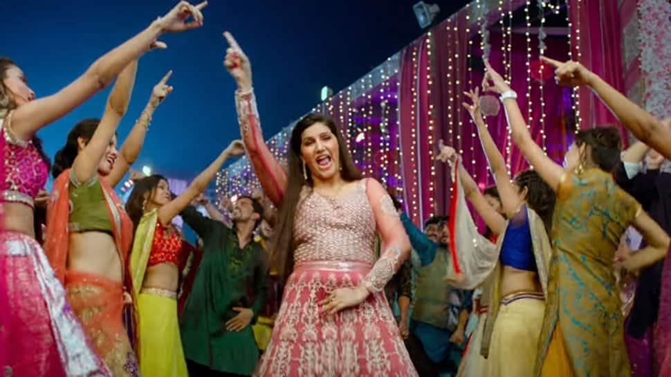 Veerey Ki Wedding: Watch Bigg Boss 11 fame Sapna Choudhary's dance on 'Hatt Ja Tau' song
