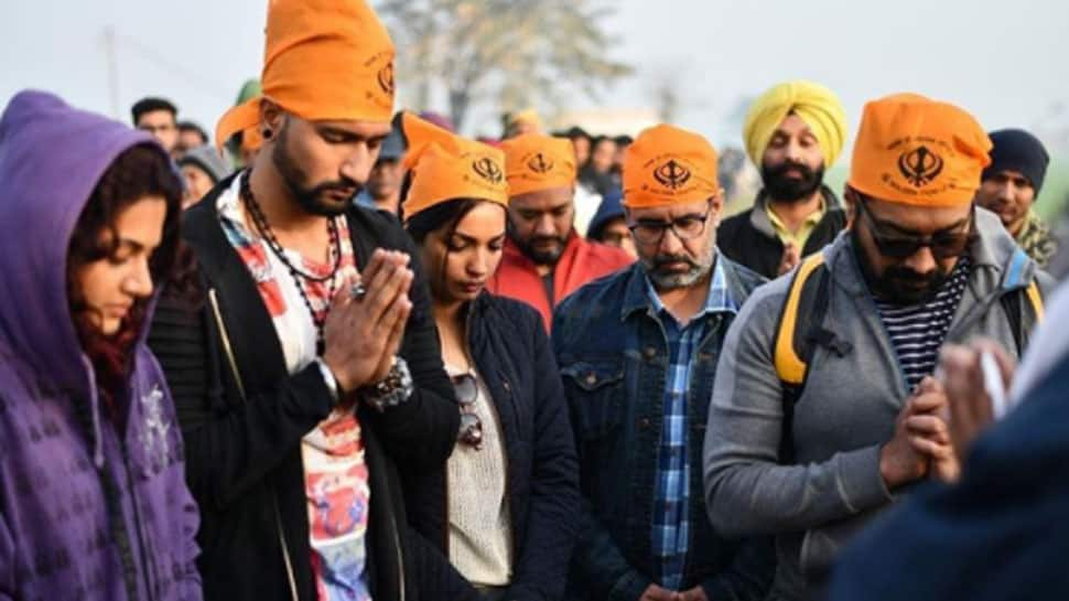Manmarziyaan shoot begins, team visits Golden Temple to seek blessings—Pic inside