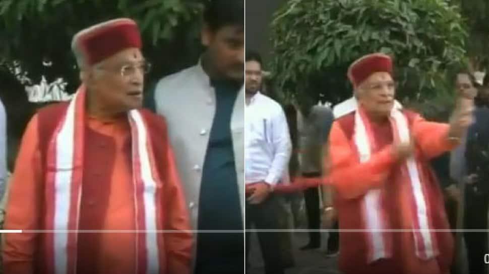 Watch: No scissors for inauguration, furious Murli Manohar Joshi tears off ribbon