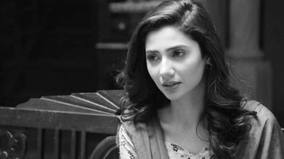 Mahira Khan clarifies; Javed Sheikh hilariously reacts to 'kiss' viral video