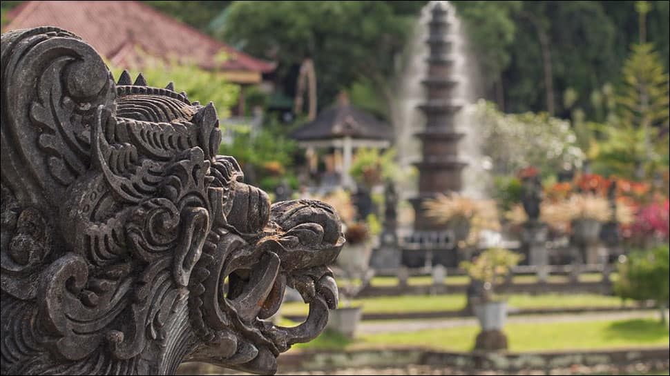 Indonesia eyeing 7 lakh tourists from India in 2018