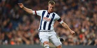 Chris Brunt targets fab-400 for West Bromwich Albion
