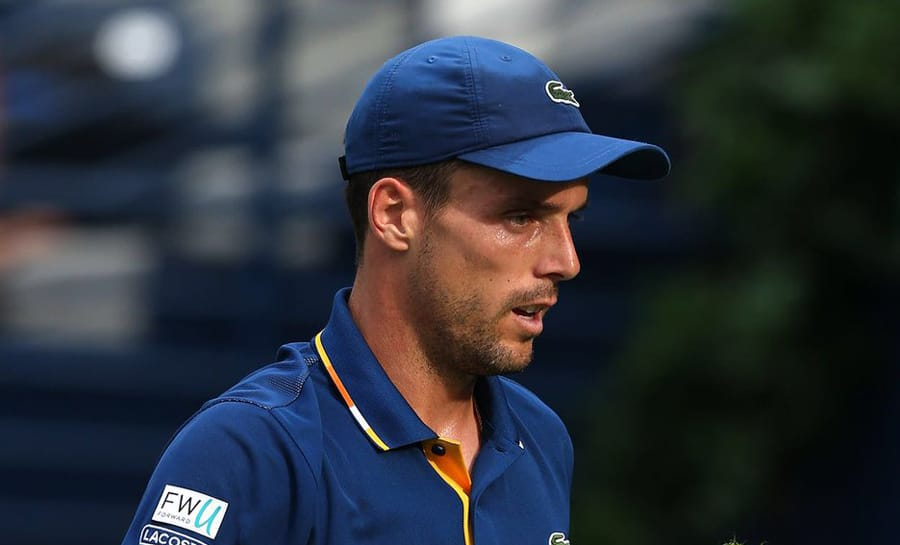 Roberto Bautista Agut overcomes Borna Coric challenge to qualify for semifinals in Dubai