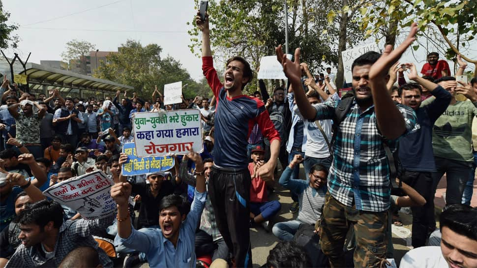 SSC exams: Protests by aspirants gain momentum; Anna Hazare likely to join