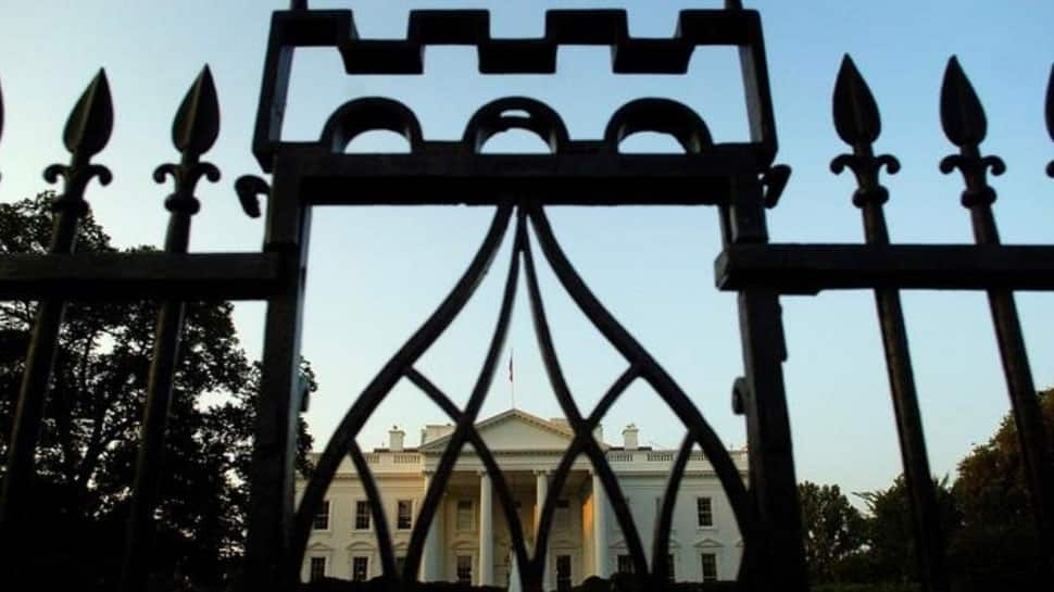 Gunman arrested for suicide attempt in front of White House