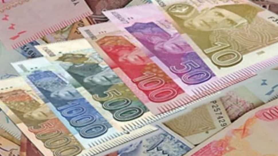 IMF sounds alarm bells as Pakistan's economy slides to danger levels