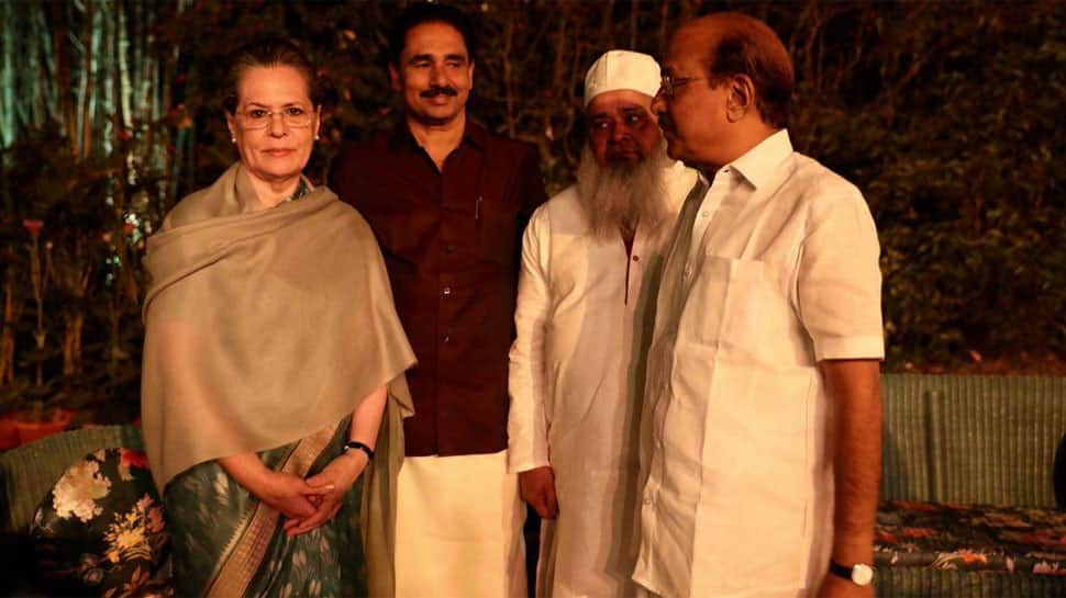 Eyeing 2019: Sonia Gandhi meets opposition leaders over dinner, Congress says 'no politics, just friendship'