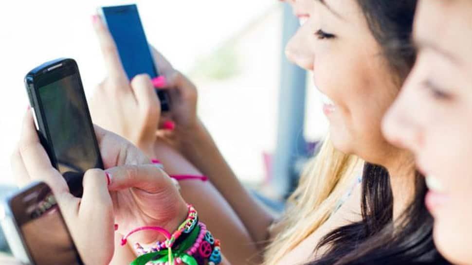 Parents, beware! Social media may harm your teenage daughter's health