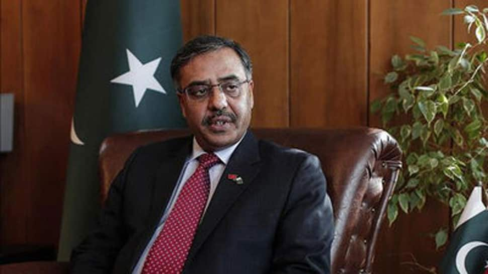 We want to resolve issue of diplomats being harassed, desire peace with India: Pak envoy