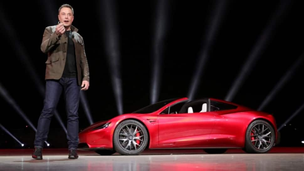Elon Musk deletes Facebook pages of Tesla, SpaceX after challenged on Twitter