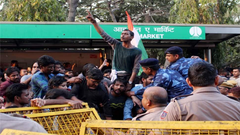 JNU students vs Delhi Police: Videos on social media show two sides of a violent clash