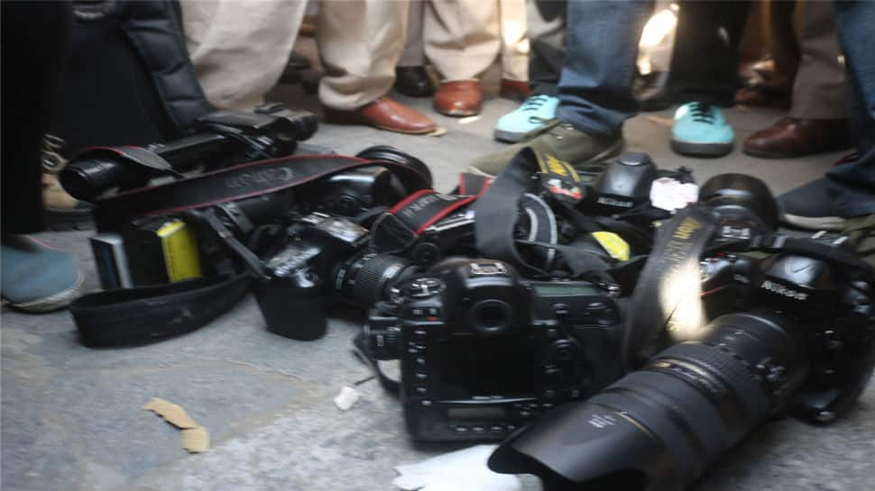 Delhi Police issues apology for attacking journalists during JNU protest