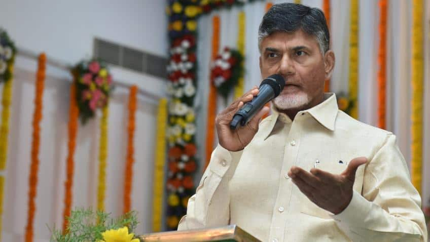 Andhra Pradesh MLAs wear black badges to Assembly over special status row