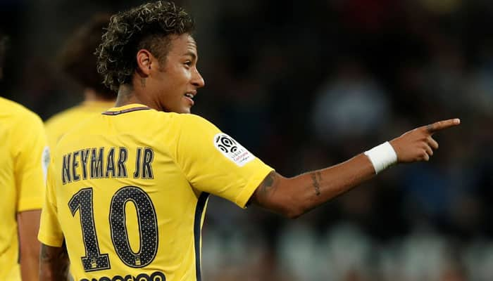 Neymar has what it takes to be the best player in the world: Roberto Carlos