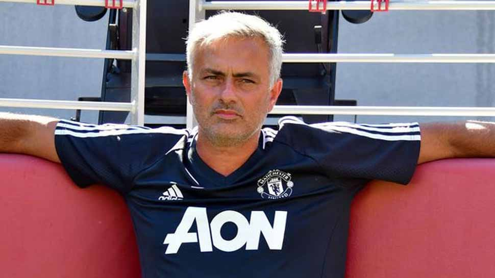 If Jose Mourinho was made of chocolate he would eat himself: Tommy Docherty