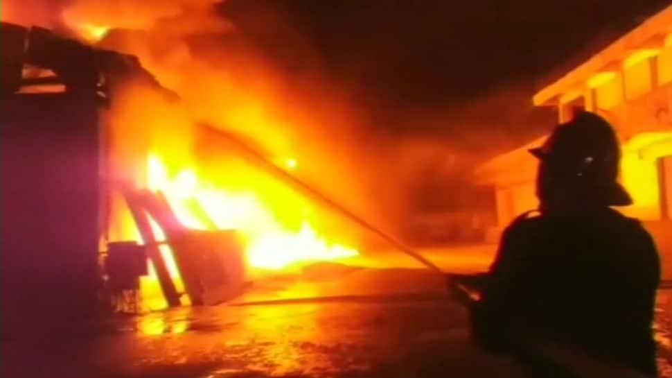 Massive fire breaks out in Bhiwandi's oil godown