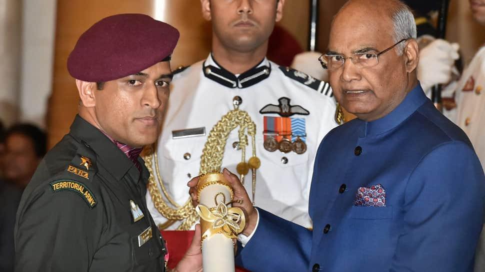 MS Dhoni receives Padma Bhushan from President Ram Nath Kovind