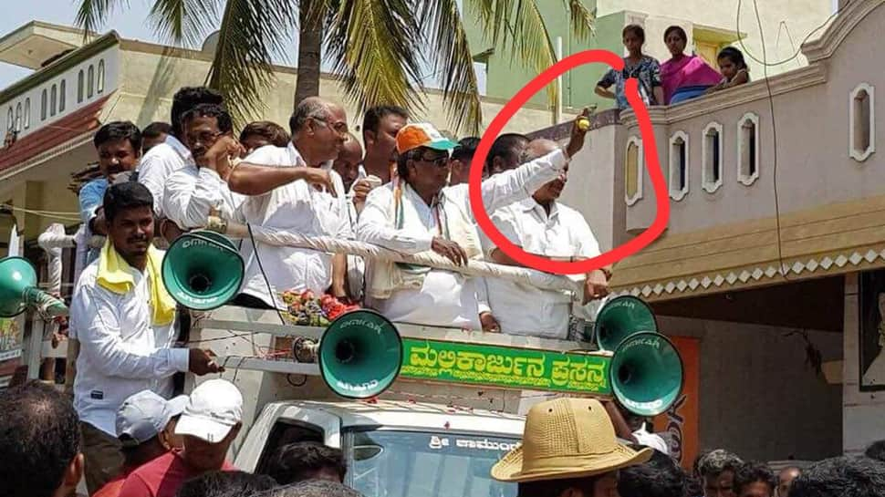 BJP mocks Siddaramaiah for campaigning with a lemon in hand, calls it hypocrisy