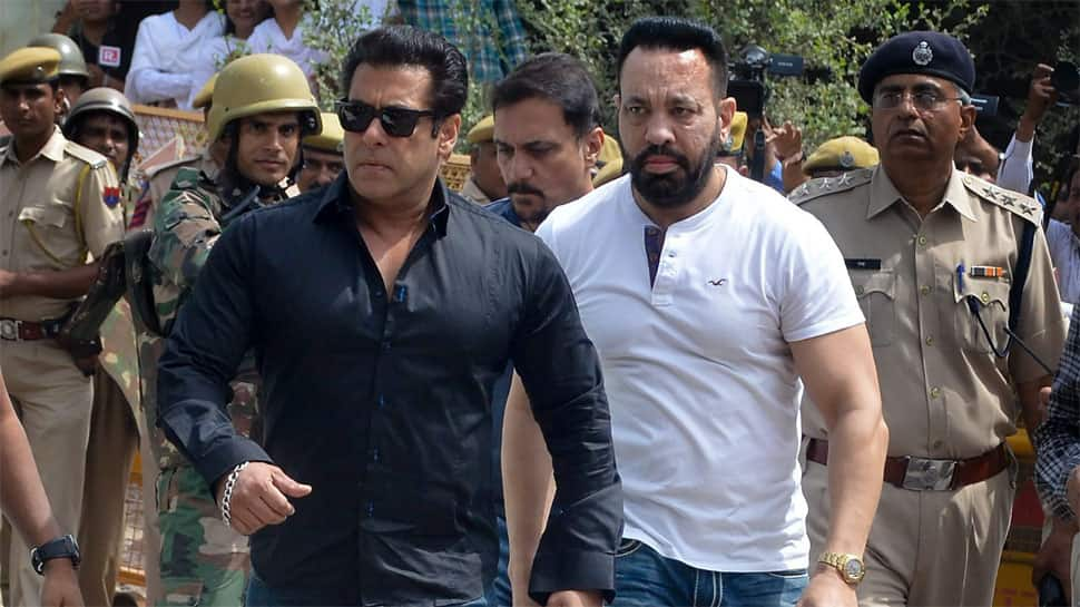 Blackbuck poaching case: Salman Khan fans gather outside Jodhpur court, pray for his release