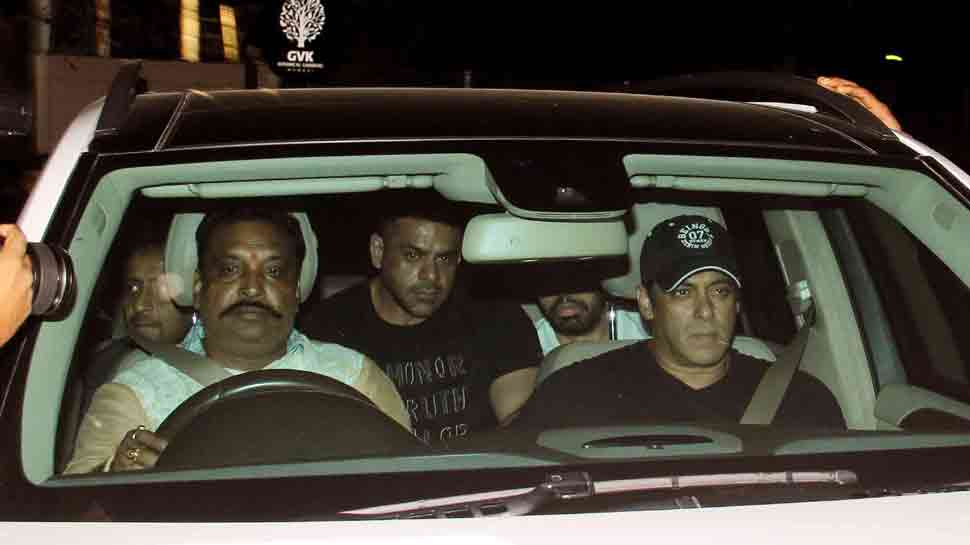 Salman Khan arrives in Mumbai, receives grand welcome by fans — See photos