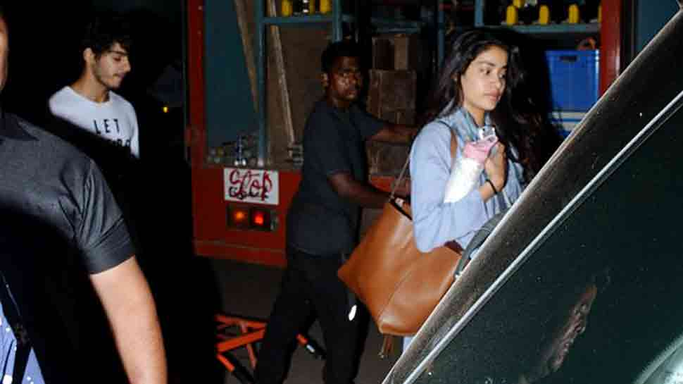 Janhvi Kapoor, Ishaan Khatter snapped after Dhadak shoot —  View pics