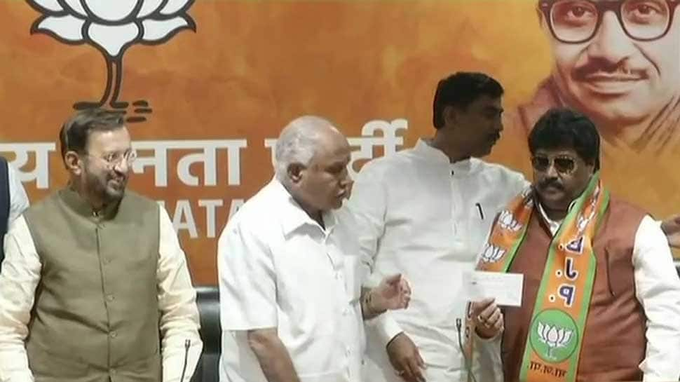 With month to go for Karnataka polls, 6-time Congress MLA Malikayya Venkayya Guttedar joins BJP