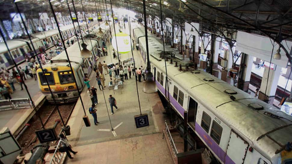 Driverless locomotive rolls down again, this time in Delhi's Anand Vihar station