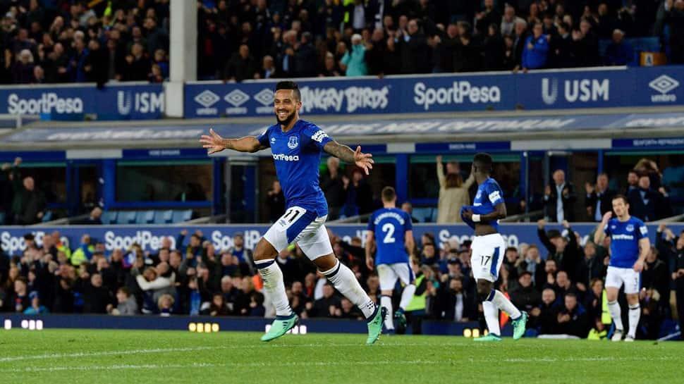 Theo Walcott winner against Newcastle sends Everton eighth