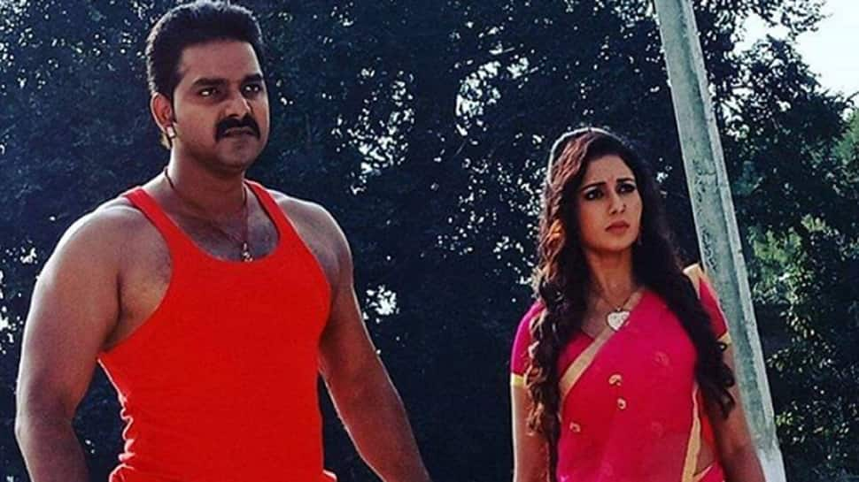 Mani Bhattacharya thanks fans after getting a thumbs up for her sizzling song with Pawan Singh