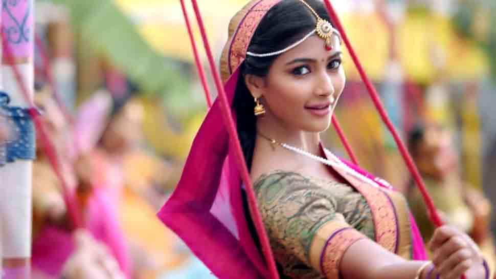 Pooja Hegde joins Akshay Kumar, Ritesh Deshmukh in Housefull 4