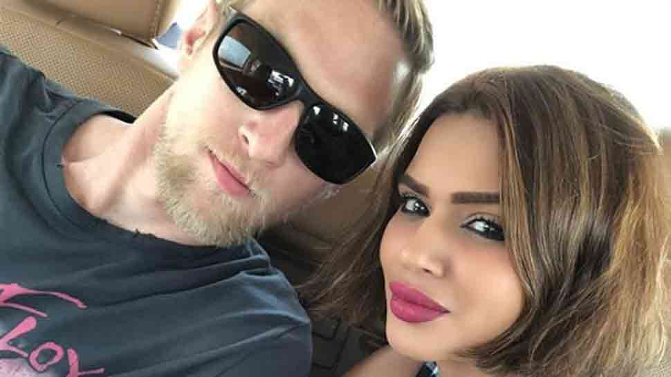 Aashka Goradia, Brent Goble's PDA-filled workout session video breaks the internet — Watch